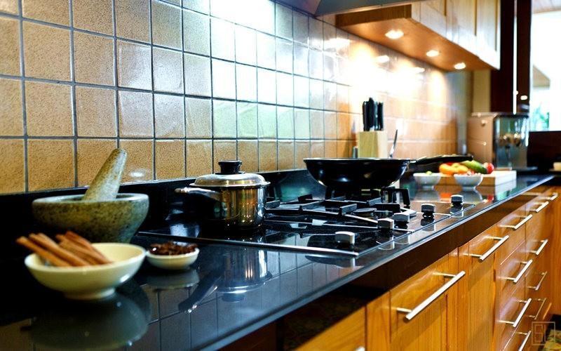 泰国苏梅岛密斯卡湾金合欢别墅厨房