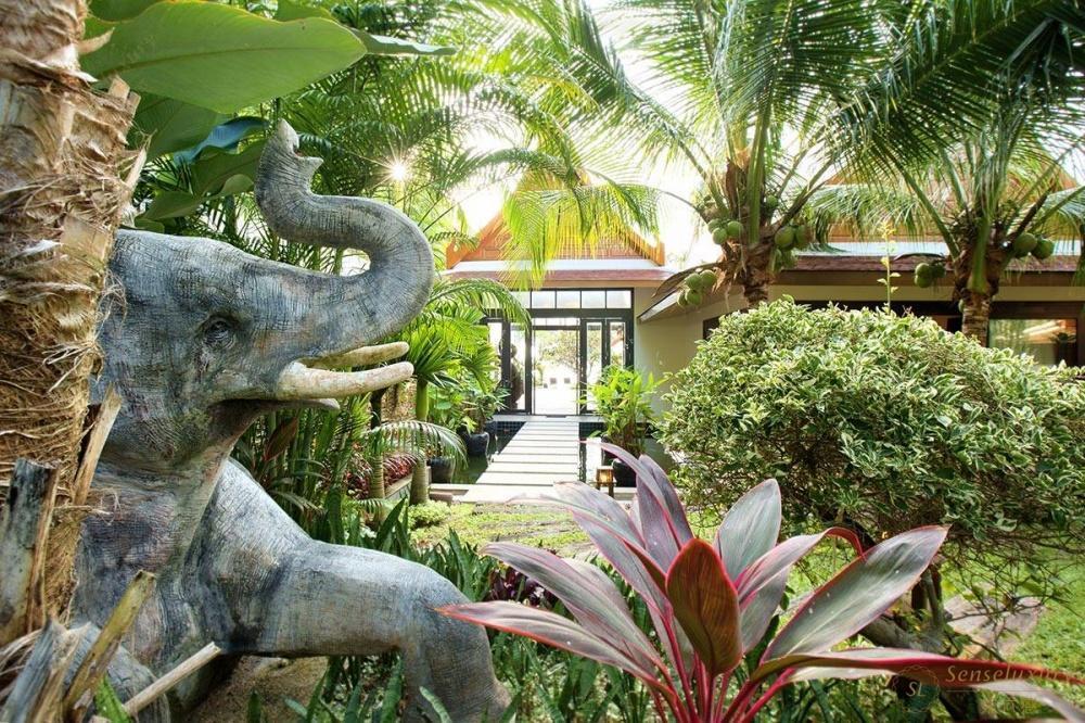 泰国苏梅岛象语别墅大象雕塑