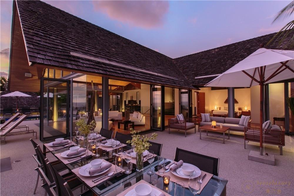 泰国普吉岛萨姆萨拉-班雅诗瑞别墅餐桌